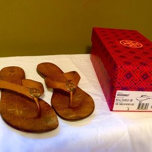Tory Burch Thora Tumbled Leather Flip Flop